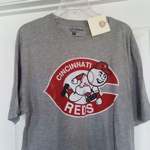 $$$ NWT Wright and Ditson Cincinnati reds t shirt